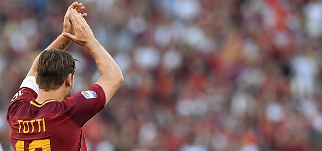 Foto: Un club anglais propose à Francesco Totti de rejouer au football