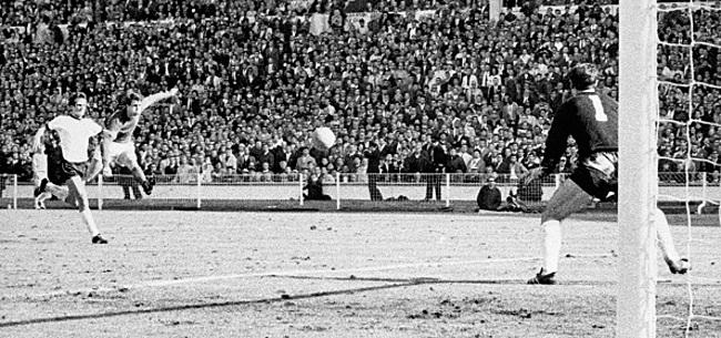 Foto: A 83 ans la légende du football allemand fait une très sale chute