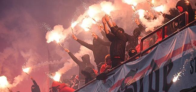 Foto: Le Standard et Charleroi sanctionnés pour les jets de fumigènes