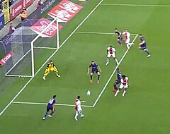 L'attaquant d'Ajax égale Van Basten pour ses débuts en Ligue des Champions