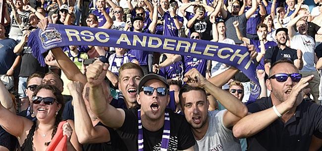 """Foto: Les fans d'Anderlecht ne l'ont pas oublié: """"Quel bazar"""""""