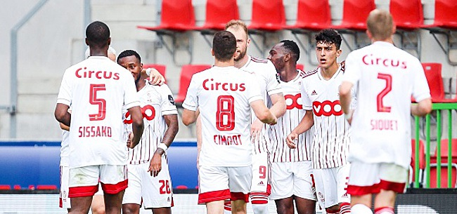 Foto: Superbe geste des joueurs du Standard après leur succès à Zulte